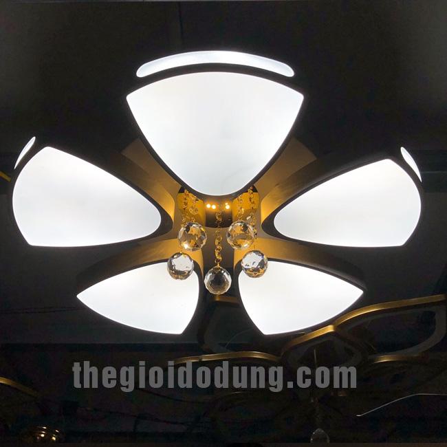 Đèn LED ốp trần trang trí B2 5 lá